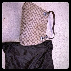 AUTHENTIC GUCCI BAG. Perfect condition. NO STAINS